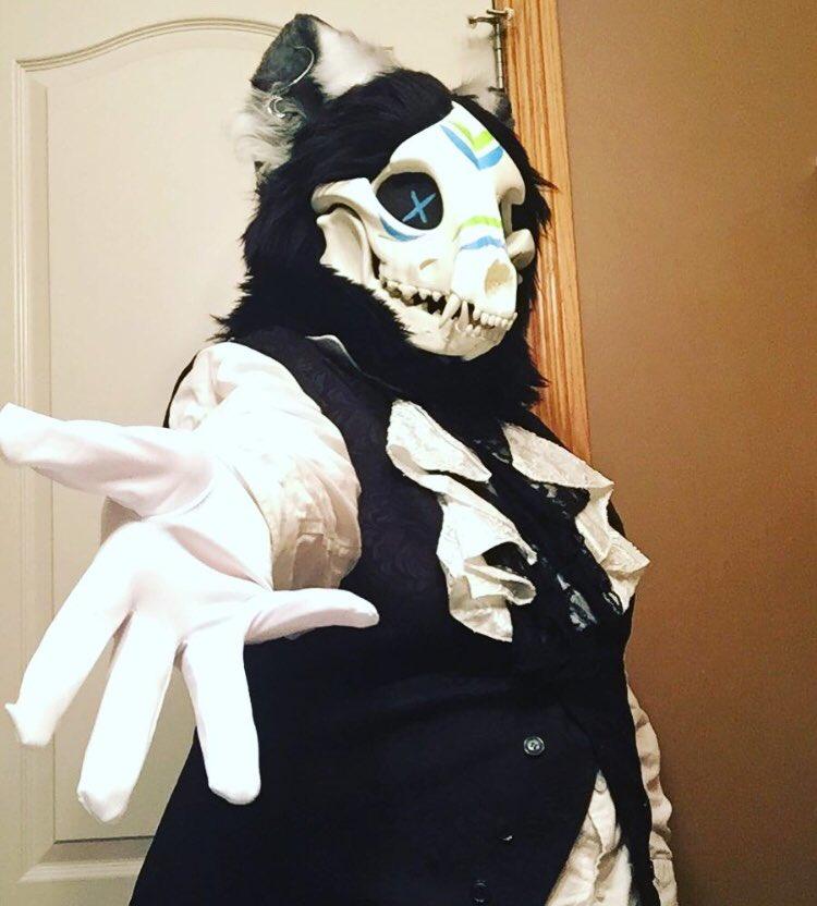 skullsuit hashtag on Twitter