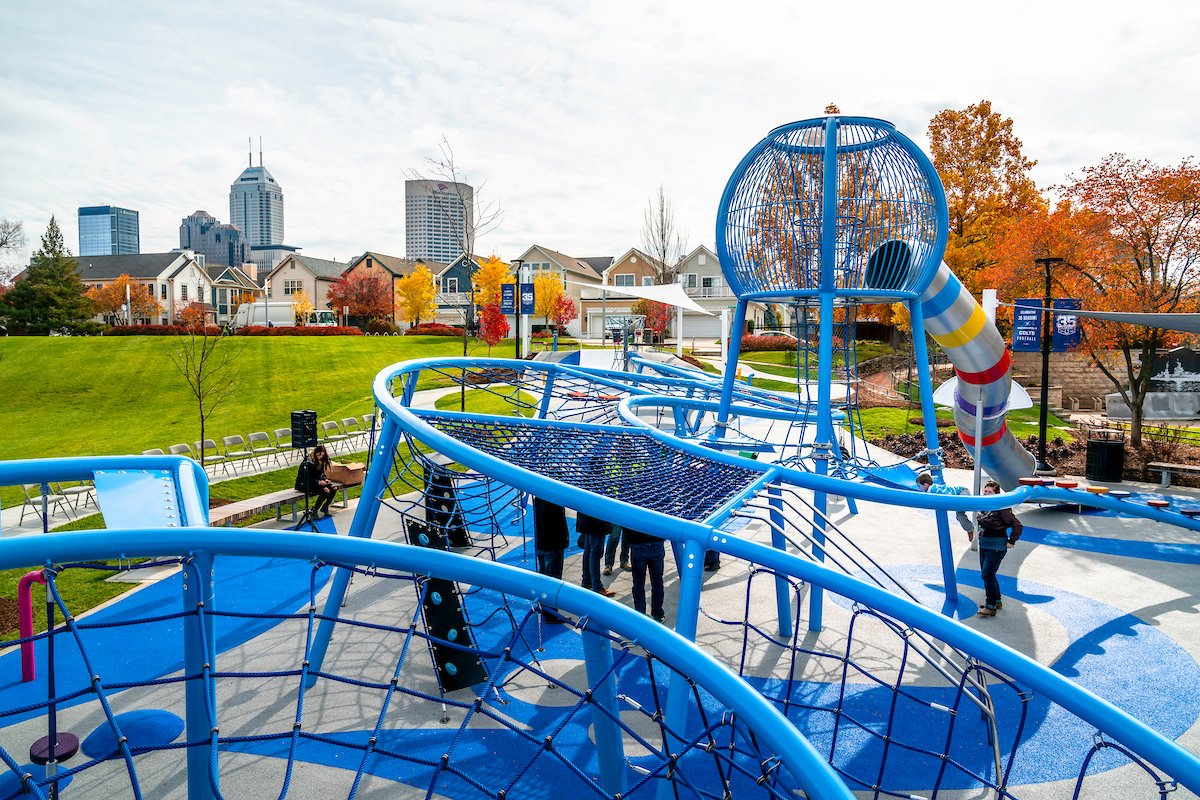 Vote #TeamBlue for the Walnut Street Pedestrian Bridge next to the @Colts Canal Playspace! 🎨 Vote today at https://www.surveymonkey.com/r/bridgecolor  !  📸: Daniel Woody Photography