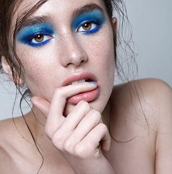 Blue beauty | Hair by #TFCMember Hair Stylist: Anike Rabiu  View more: http://ow.ly/5Xtt30nD33T   👩🏻: @karime_bribiesca 📸: @truefineart 💄: @sooparkmakeup 💅🏻: @nailsbychellz Retouch: @jasminceljo   #thefashioncollectiveinc #TFCinc #fashion #editorial #AnikeRabiu #wilhelmina