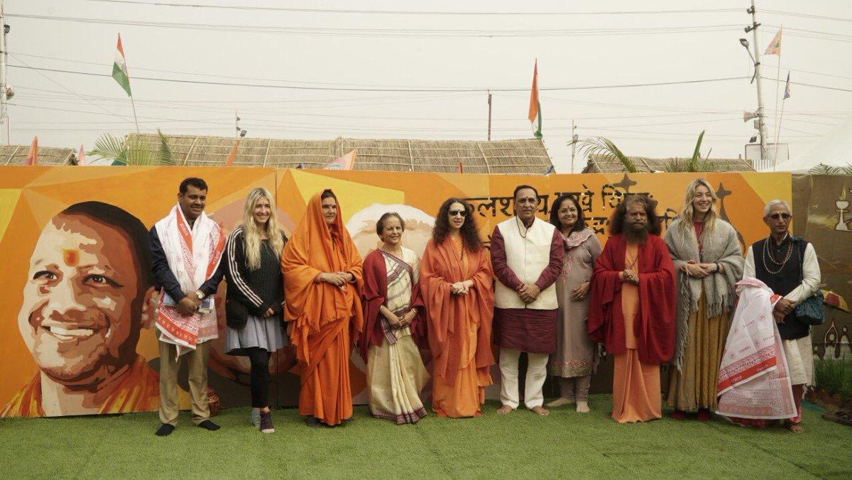 Sharing glimpses of #KumbhMela2019 at Prayagraj.   #Kumbh2019 #DivyaKumbh #BhavyaKumbh