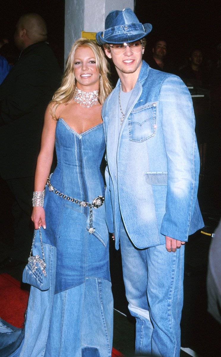 Pulling up tomorrow denim down to the socks at #InThoseJeans like... <br>http://pic.twitter.com/bSGKyWjLht