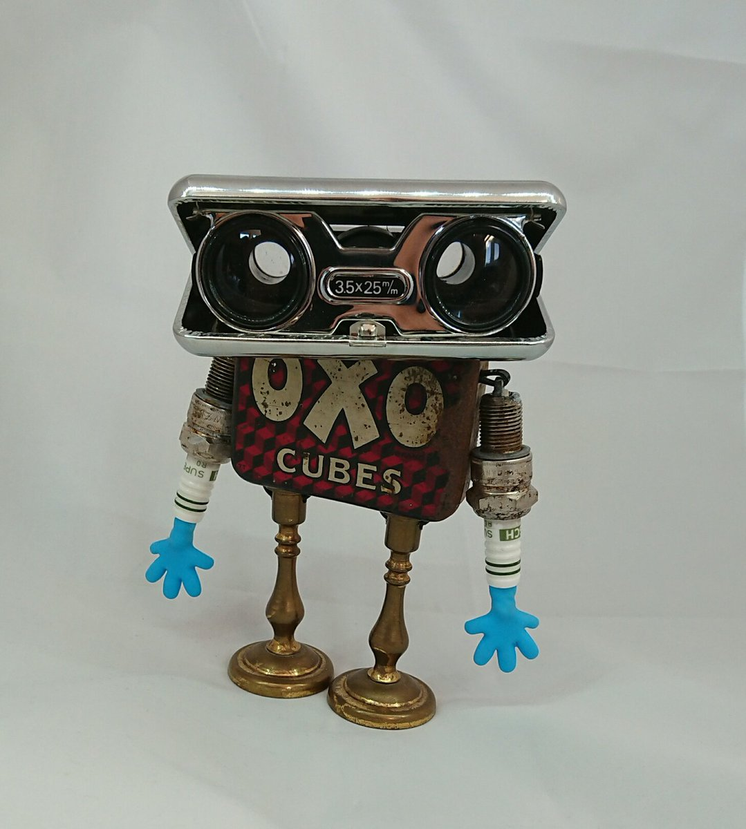 Every office should have a desktop critter. Get yours at https://t.co/SuvPmPDuAc   #giftideas #steampunk #etsy #Robot #handmade #vintage #ValentinesDay #JunkBot  #valentinesdaygifts #giftsforhim #FridayMotivation