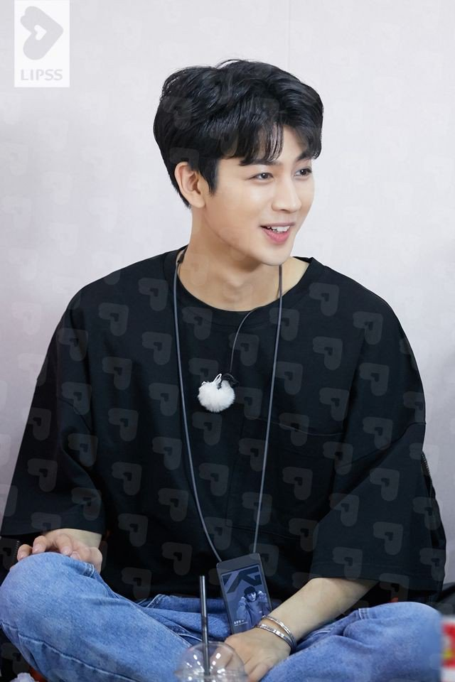 Happy birthday, Yunhyeong! I hope your day was amazing & that you were able to rest and eat well! Thank you for working hard and making me smile nonstop even if I have only been a fan for a short time! 💜 #HappySongDay #HBDSONGofTheYear #HappyYunhyeongDay @sssong6823 @YG_iKONIC