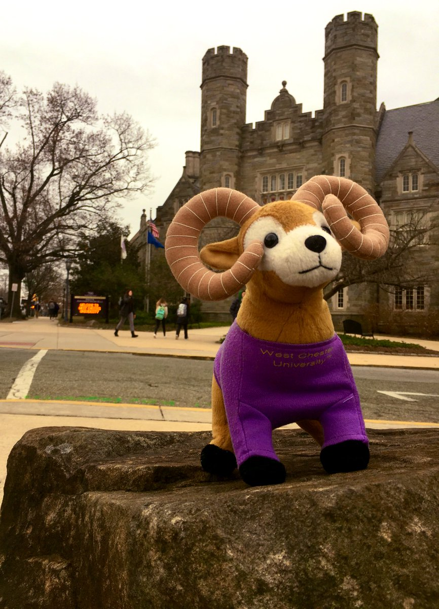 Happy Friday, Rams! #StatueWannabe #GoldenRams #FridayVibes #CastleBuilding