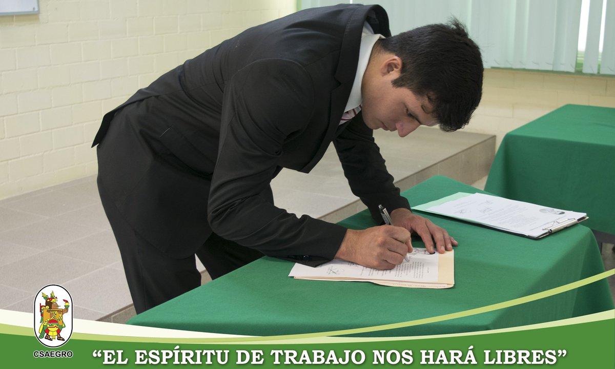 El Centro de Estudios Profesionales del CSAEGRO felicita al alumno Daniel Gómez Moreno, por haber aprobado satisfactoriamente su examen profesional para obtener el título de Ingeniero Agrónomo Fitotecnista. ¡Enhorabuena! #espírituCSAEGRO #CEP