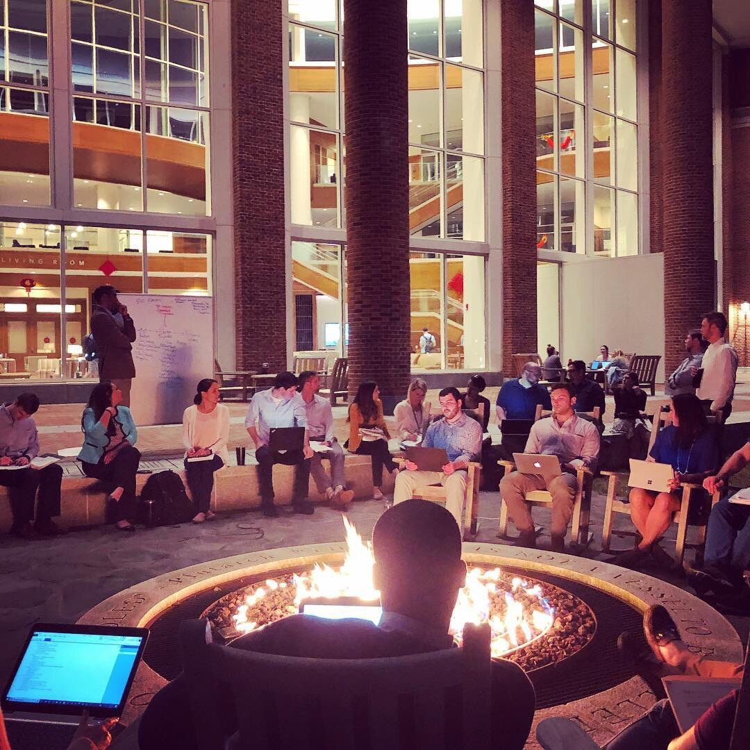 When the high temperature hits 79 degrees, why not hold #MBA class outside?! That's what Prof. John Sumanth and his Winston-Salem Evening MBA students did on Thursday! #bizdeacs #businesscasual #wakeforest