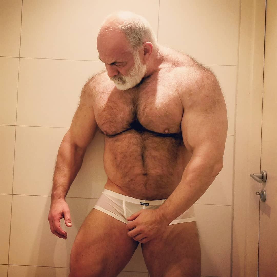 Muscle Grandpa Naked