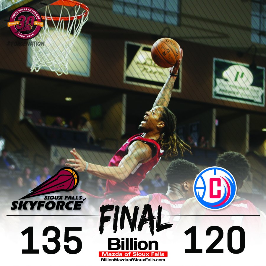 FINAL | The Force snap a four-game losing streak with the 15-point victory over the Clippers!   Emanuel Terry (22 points, 11 rebounds) with his second career double-double! Raphiael Putney led the Force with 24 points, nine rebounds and four blocks.   @billionauto<br>http://pic.twitter.com/vktg30nEEK