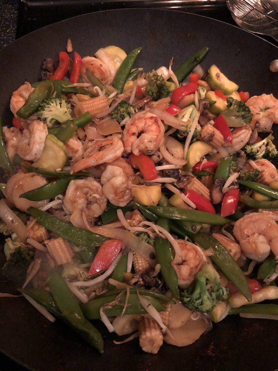 When the wifey cooks shrimp stir fry! 😋