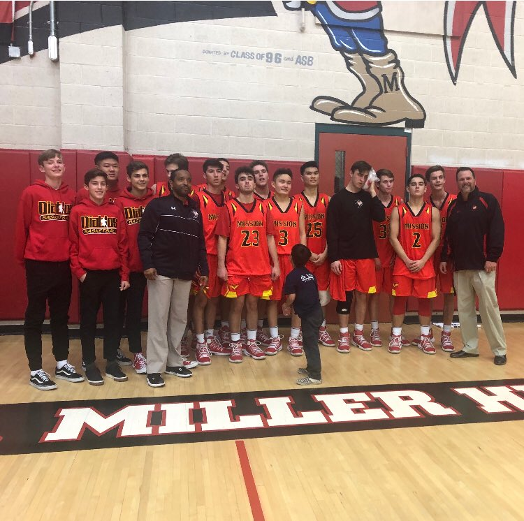 MVHS Basketball advances to 2nd round of CIF playoffs with