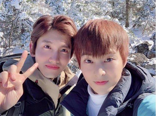 �� We love friendship~ ❤️ EXO Xiumin with TVXQ Changmin! https://t.co/TktQCenKRM @TVXQ @weareoneEXO https://t.co/85PIVgQZQ0
