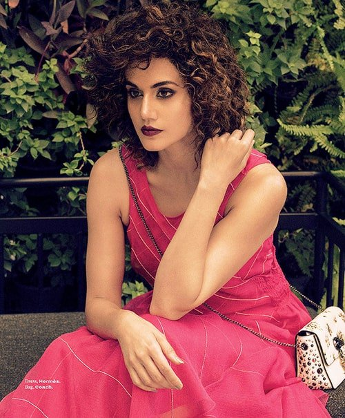 Taapsee Pannu in L'Officiel Magazine  http://blogonbabes.com/taapsee-pannu-in-lofficiel-magazine/…   #TaapseePannu #Bollywood #Fashion #India