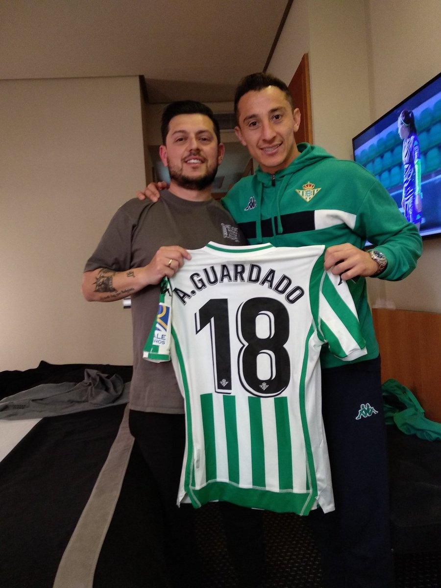 ¿Cuánto mide Andrés Guardado? - Altura - Real height Dy92cI2XgAERSgK
