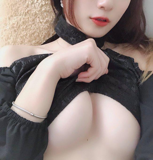 コスプレイヤー莉酱LusiaのTwitter自撮りエロ画像36