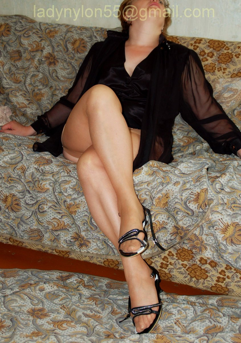 Lady in nylons