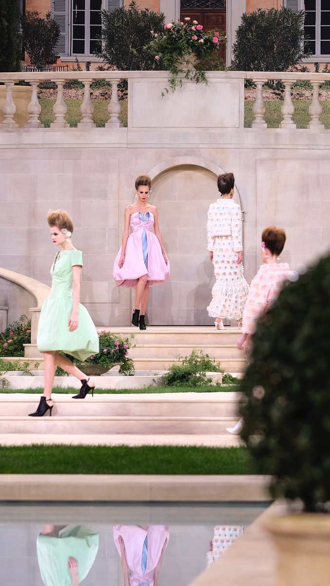 Caroline Issa's take on Spring-Summer 2019 #CHANELHauteCouture, 'a collection of mesmerising creations'. #VillaCHANEL Read it now on http://chanel.com/-T-HC_SS19_news