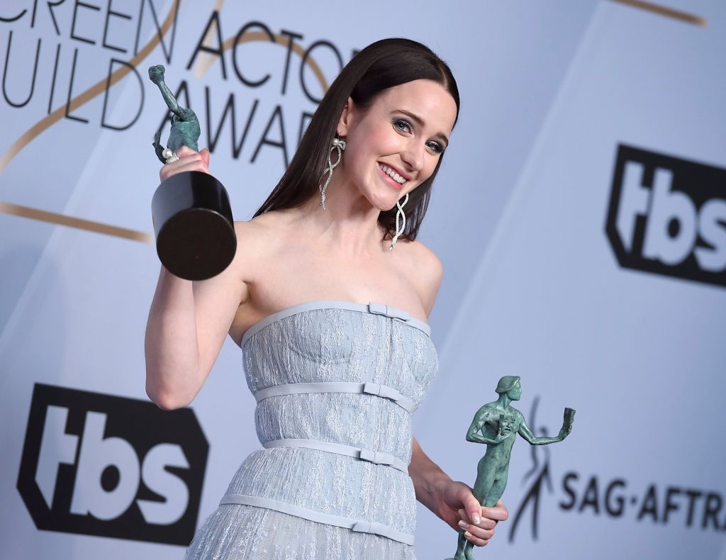 #SAGAwards 2019: #MarvelousMrsMaisel Sweeps the TV Comedy Competition Aside  https:// bit.ly/2DD6fVn  &nbsp;  <br>http://pic.twitter.com/8HF3xtv76y