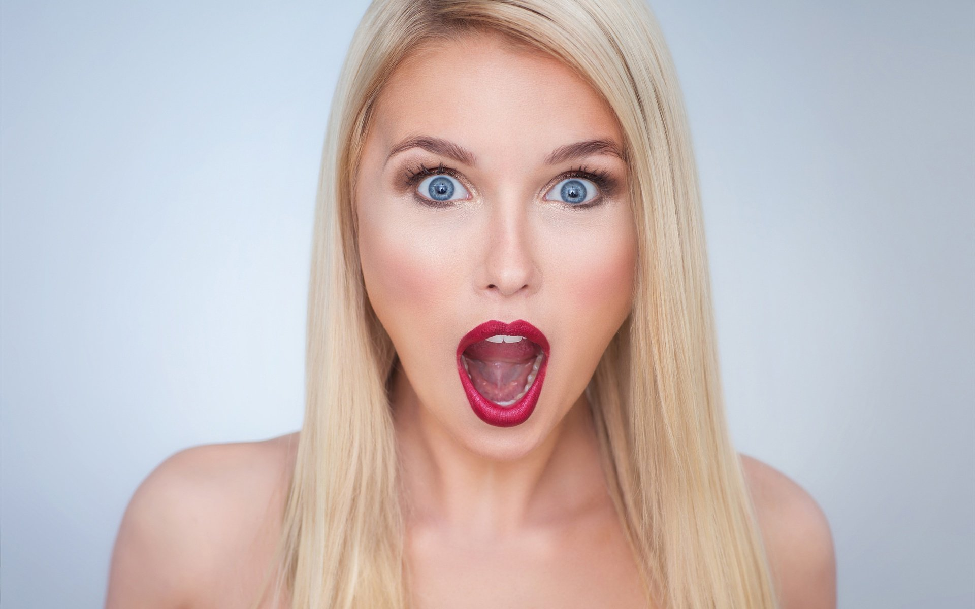 фото что может делать ртом женщина чего-то большого, хотя