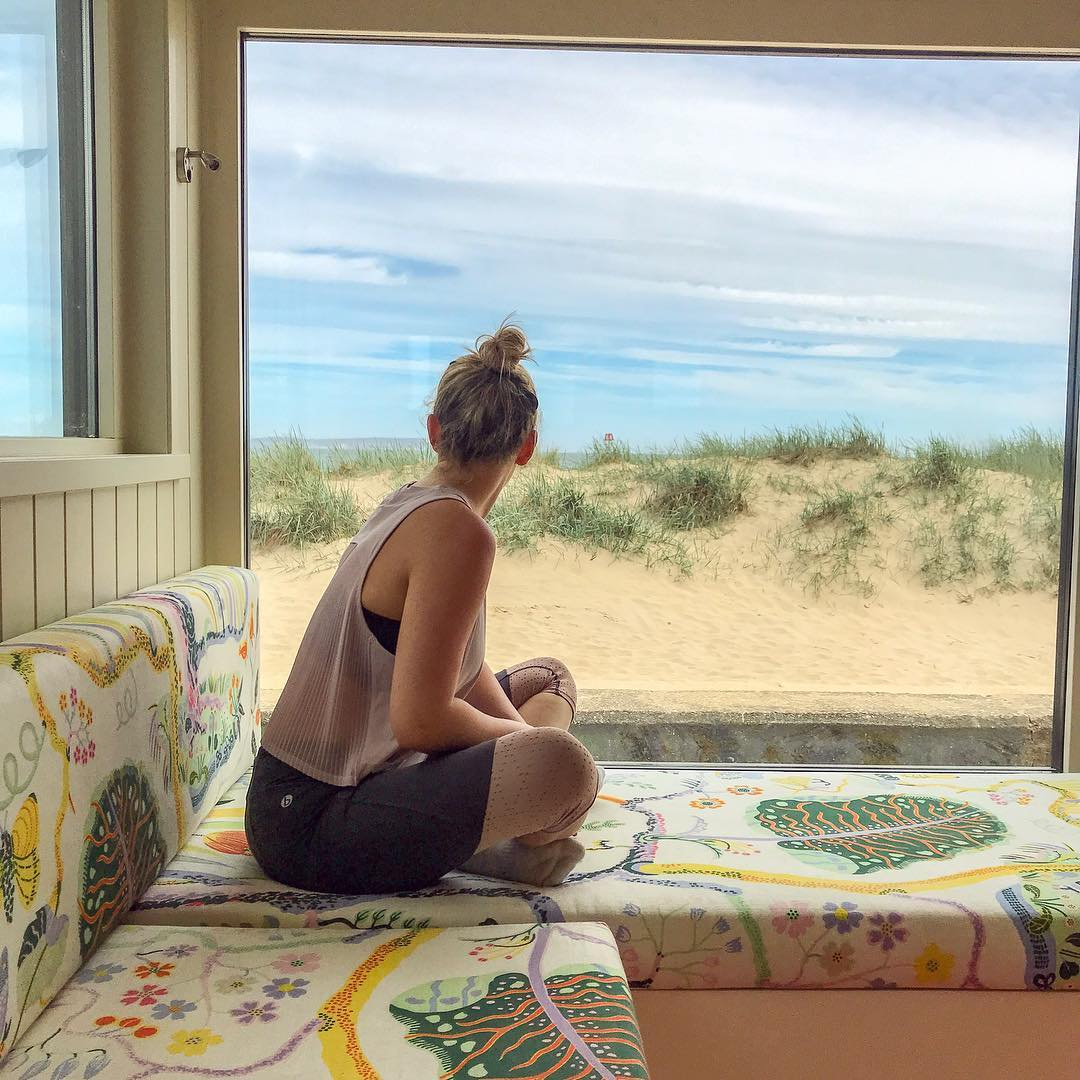 Beach Hut Days down at Mudeford Spit... #LoveXChurch : IG/ lolssmay  #Christchurch #Dorset #VisitEngland #Travel #ChristchurchHarbour #HengistburyHead #MudefordQuay #MudefordSpit<br>http://pic.twitter.com/8wRSKG8n25