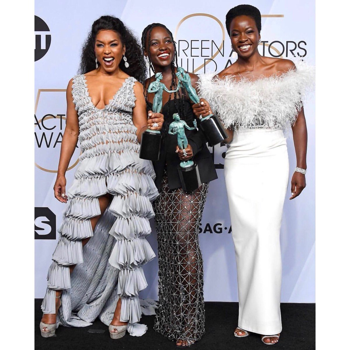 Cool Black Girls Rock On Twitter Congratulations To The Cast Of Natural Hairstyles Runnerswayorg