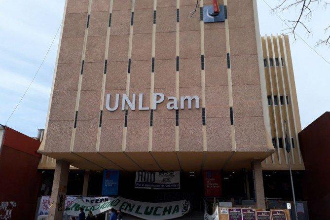 #UNLPam | Docentes egresados en 2018 que no recibieron sus títulos por demoras de Nación, podrán inscribirse en Educación