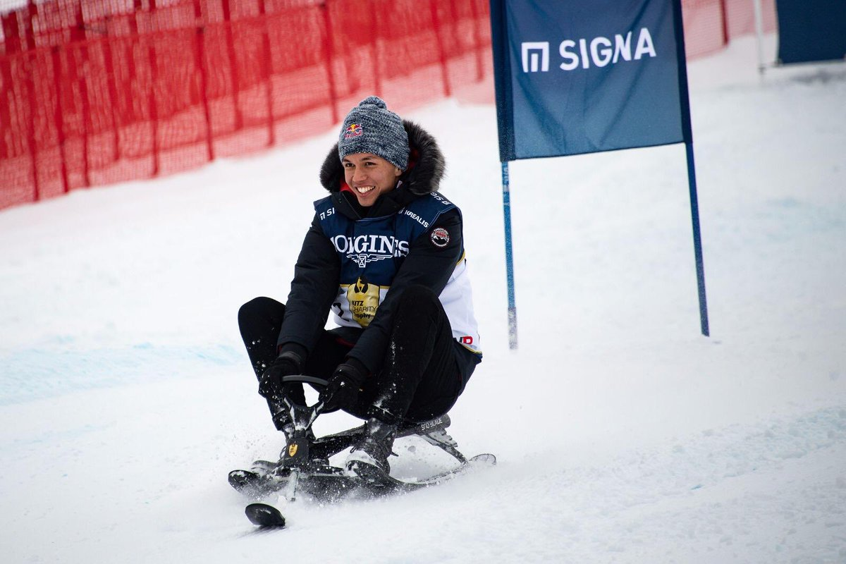 When you enter a charity ski race and you can't ski... 😂😂 Had a great time with @redbull at Kitzbühel! #kitzcharitytrophy #LackingDownforce