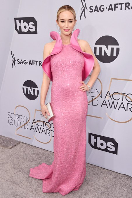 Screen Actors Guild Awards - Page 11 DyBw9WNX0AAy1e5