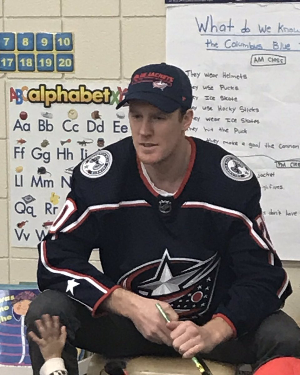 Thanks @rileynash20 for helping local Pre-K students hone their literacy skills today through Timeout to Read with @PNCBank, @BlueJacketsNHL and @ycbus https://t.co/9CUZ3CLEWu
