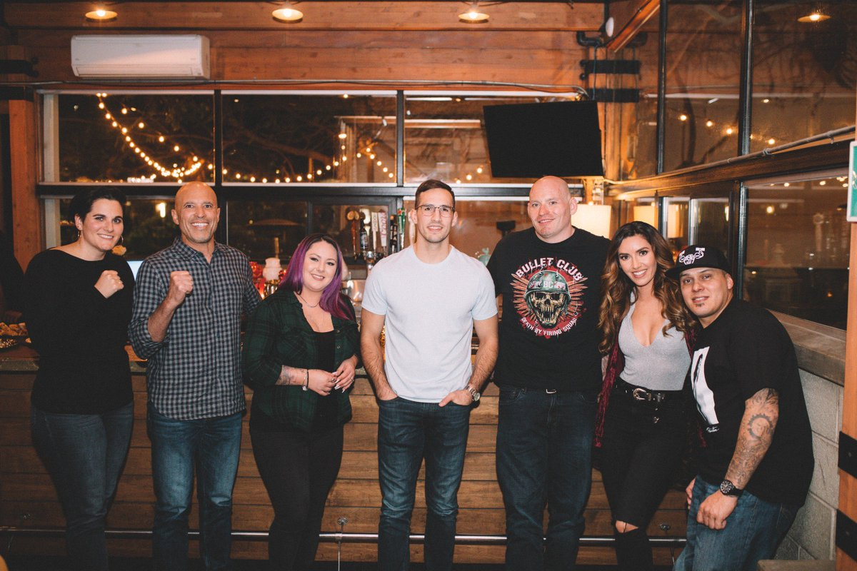Congrats to all of our @MonsterEnergy Dinner winners! We had a blast hosting you all along with @RealRoyce, @Rory_MacDonald, @MercedesTerrell, @Flex_Lewis  and @MissJessyJess ahead of #Bellator214.