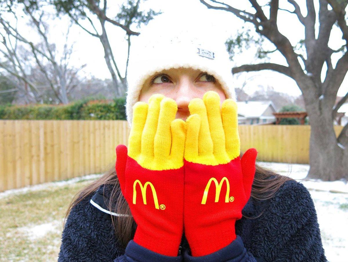 アメリカで配られた手袋が可愛い!!ハッピーセットにしたら売れそう...