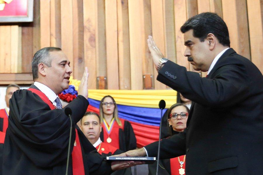 Maduro: Si algo me pasa, ¡retomen el poder y hagan una revolución más radical! - Página 4 DyFP55NWoAIHkBG