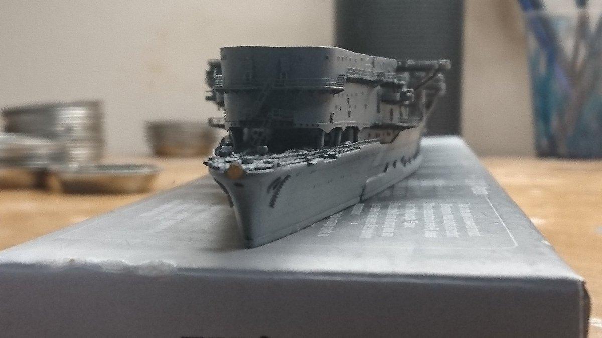 【赤城制作中】 あー...やっと赤城の船体に終わりが見えてきた。 飛行甲板どうしよ... #艦船模型 #空母赤城