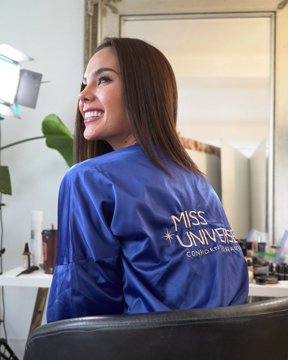 Behind the scenes at @catrionaelisa's first official photo shoot as Miss Universe with Fadil Berisha! Who's excited to see the photos? 📸