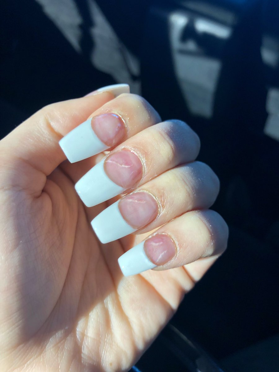 I went to the worst and best rated nail salon in my city lmao. Let\'s ...