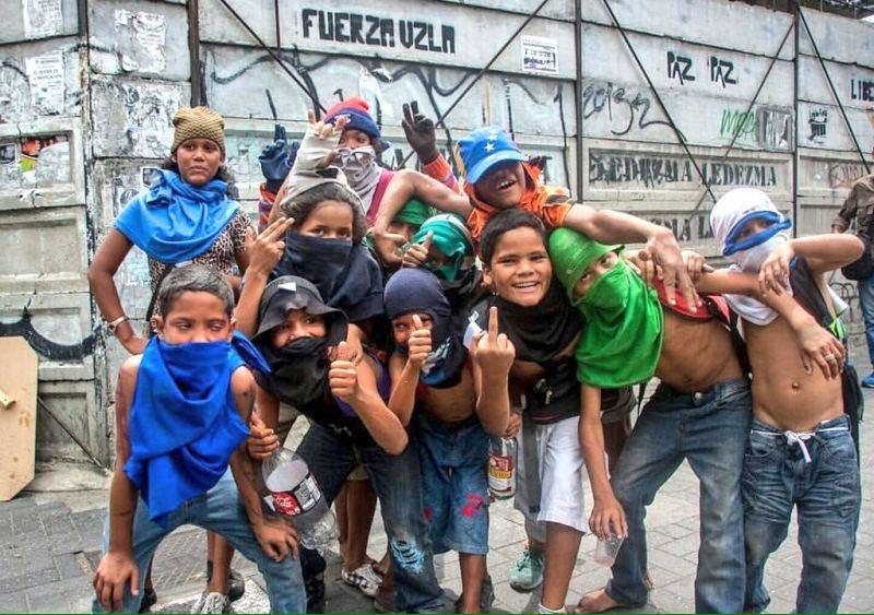 "Maduro: ""¡El Imperialismo quiere matarme!"" DyHScQsWsAAyDDf"