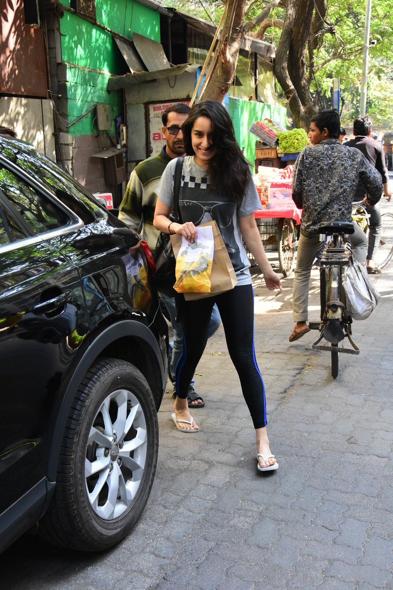 Shraddha Kapoor in a sexy dress exposing her Hot Waistline in the streets - HOT PHOTOS INSIDE