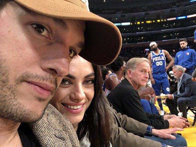 Ashton Kutcher en Mila Kunis dating tijdlijn