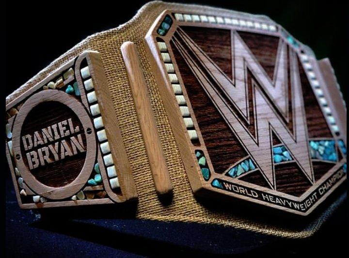 WWE Smackdown Results  DyIKsmMWoAAduWa