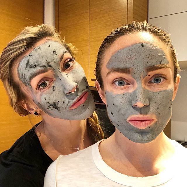 We're all about that @freshbeauty  Umbrian Clay Pore Purifying Face Mask ——-> http://bit.ly/2TnzrFE @caitylotz http://bit.ly/2BcSnzJ