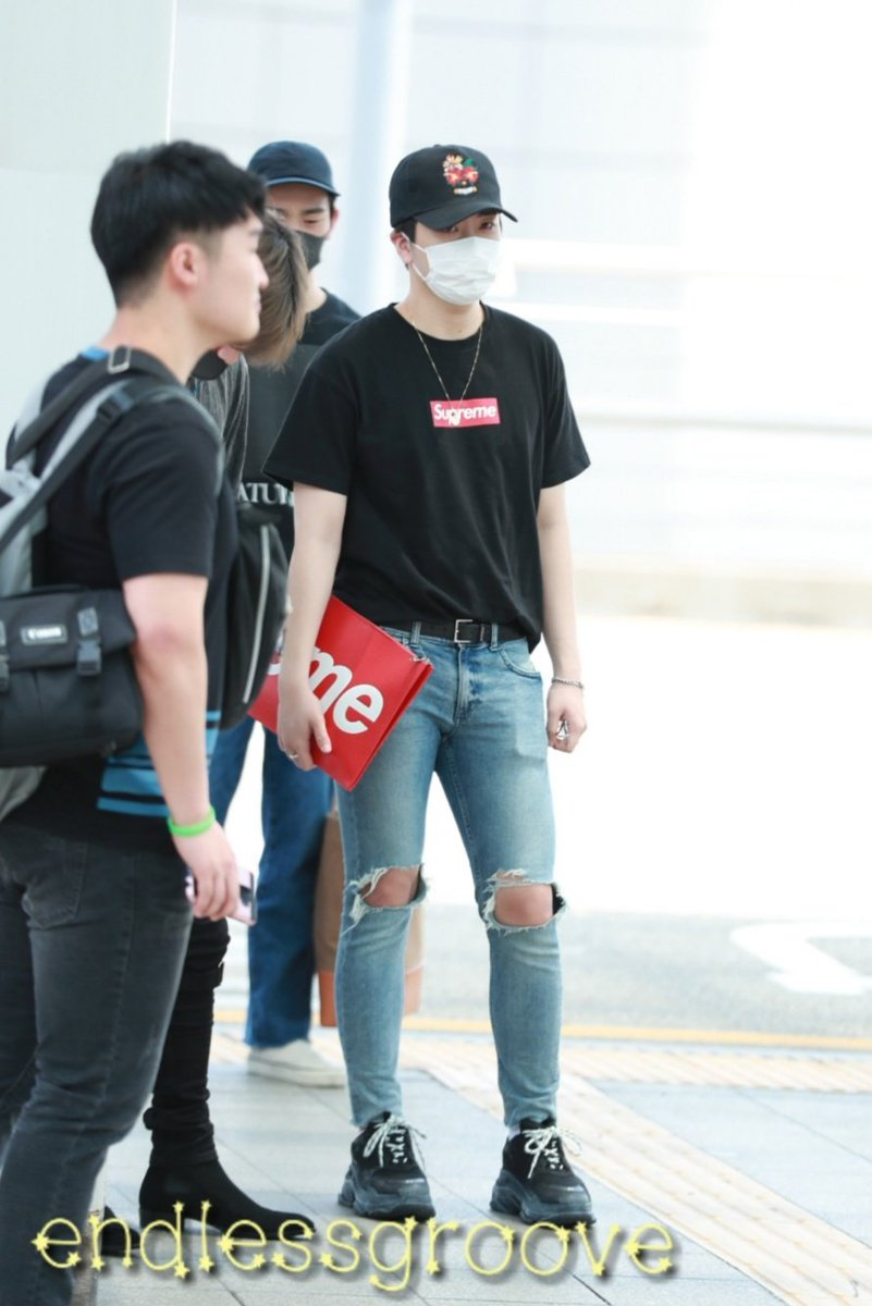 180615 Fly  Su Su Supreme Baby~~ @GOTYJ_Ars_Vita #YoungjaeXSupreme #Supreme  Pls don't crop/edit my logo out RT is totally fine  #영재 #갓세븐  #Youngjae #GOT7  #MySunAndMoonShine<br>http://pic.twitter.com/aX7EuJFTKF