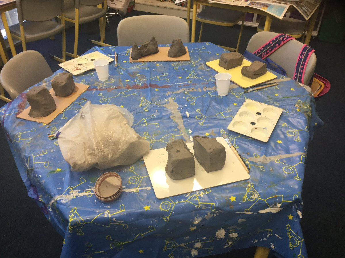 #ThisTweetIsCreatedByOurStudents Go on, guess our landforms!  Can you see a valley or a volcano? We have worked and worked to understand how our chosen landform has changed over time, you can see the before and after models.  Watch this space to find out more... By LZ age 8