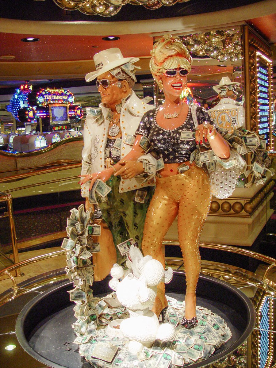 Iconic #LasVegas statues in Harrah's Casino: Buck and Winnie Greenback  #photooftheday #travelphotography #travel #travelphotos #tourism #travelgram #trover #picoftheday #instatravel #traveling #mytravelgram #travelingram #igtravel #traveler #SonyAlpha #sonyalphagallery #Nevada