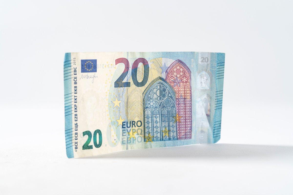 Heb je altijd al eens in de #portemonnee van een ander willen kijken? Hoeveel sparen ze, waar geven ze geld aan uit, en waarom geven ze daar geld aan uit? In onze nieuw #rubriek 'Spendings & Savings' gaan we hier dieper op in. https://procam.nl/blog/2019/01/16/blog-spendings%26savings-christiaan?preview=true…