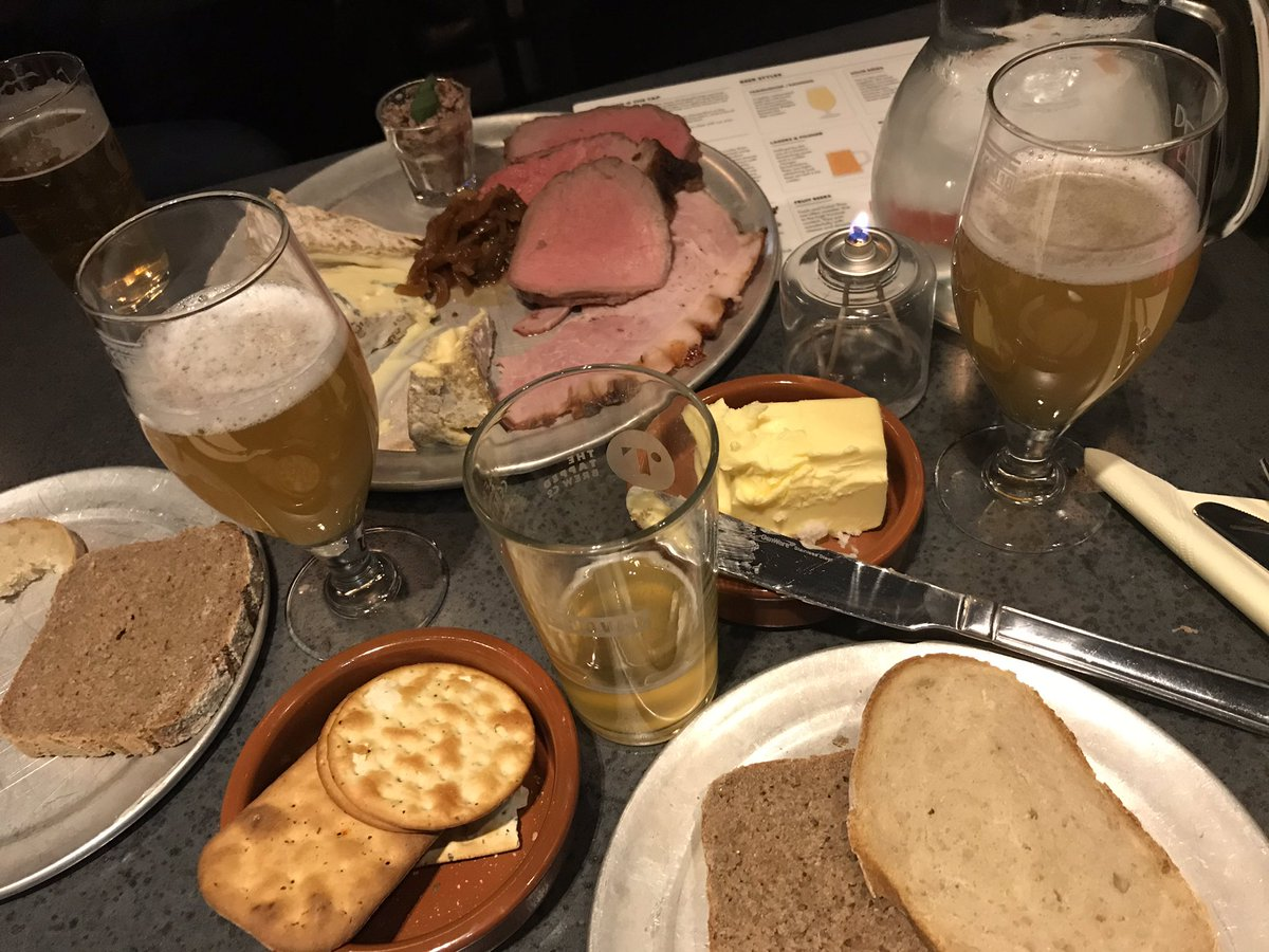 How to put on a #Tryanuary event: great meat + great cheese + great beers  some of the nicest producers in the NE as well! <br>http://pic.twitter.com/N8T7sfa14t