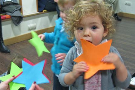Llega a #Chamberí Creative Play Mornings, una opción educativa a medio camino entre #escuelainfantil y taller de #inglés, que fomenta la #creatividad mientras se desarrollan habilidades motoras y de lenguaje. Más info en @EULdeChamberi https://www.chamberidigital.com/noticias/blogs/1000-llega-a-chamberi-el-metodo-revolucionario-de-la-educacion-infantil-en-ingles-creative-play-mornings… #Madrid #Nursery