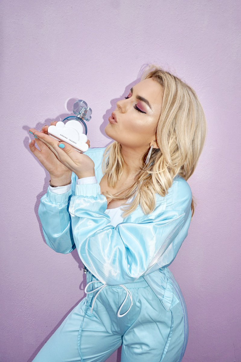 Thank u, next to all my old perfumes now that @arianagrande's brand new fragrance 'CLOUD' has landed in the UK - now available at @superdrug 💕💕☁️☁️✨✨😻😻 This Friday join me for a free event to celebrate the launch of her new fragrance in London. https://t.co/NvqbqHtGn2 https://t.co/Aju83DVnWc