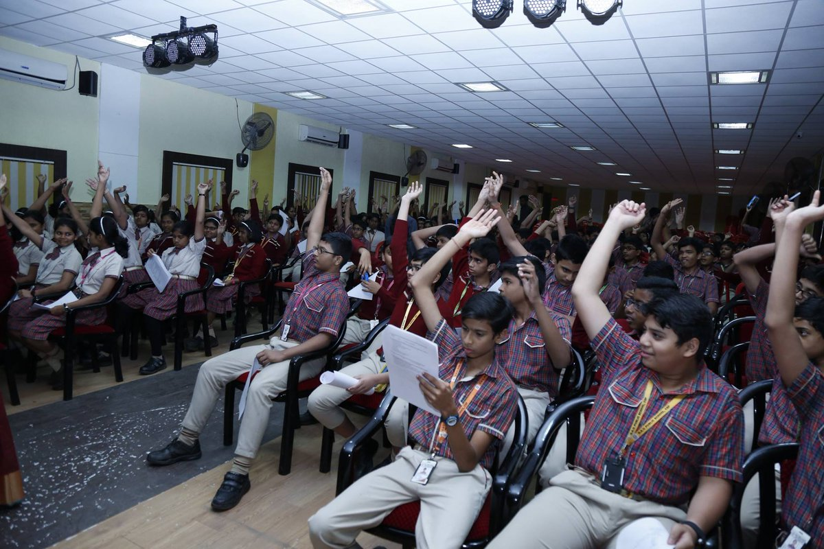 "test Twitter Media - Our team in #India conducted an awareness-raising workshop on the health impacts of #airpollution for the students of DAV Public school in Bhubaneshwar as part of the ""Schools for Clean Air"" program! @prarthana_delhi #AirQuality #ZeroEmissions #SolutionsNotPollution #BreatheLife https://t.co/h3EbdM6hiL"