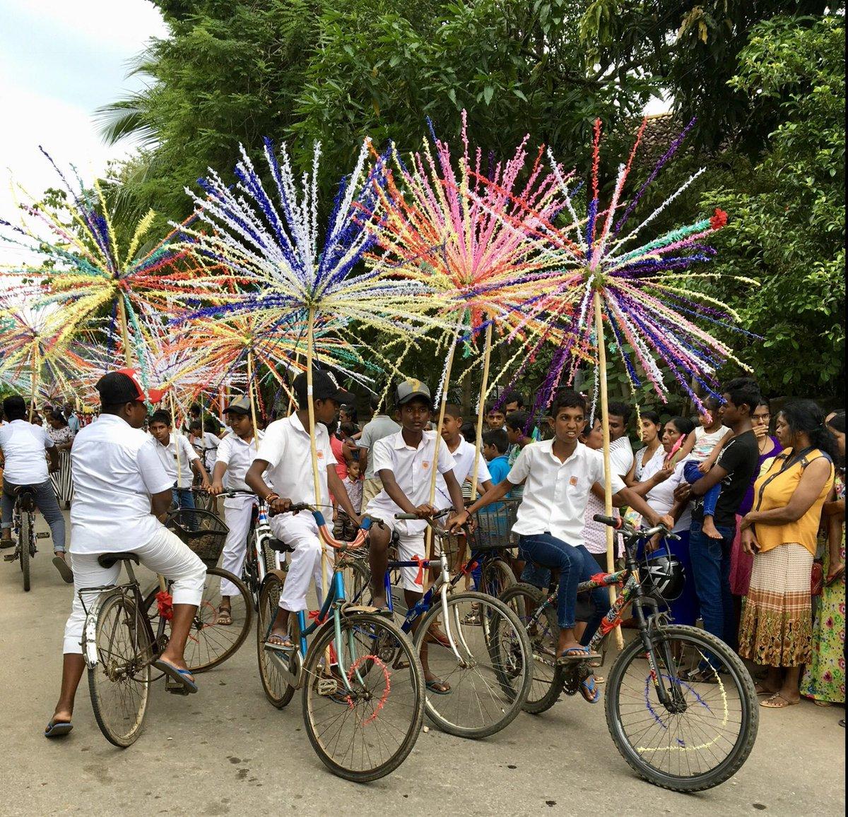 Local Religious Festival, Galle.   @thepavilionvilla  #srilankanfestivals #poyadayfestival #Unawatunaparades #srilankanelephants pic.twitter.com/tQFxfMjiW0