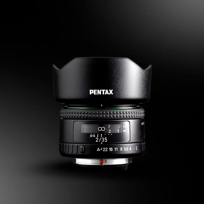 El nuevo Pentax HD 35mm f2 FA se incorpora a la oferta óptica para montura K con un diseño compacto y recubrimiento HD de las lentes. Disponible a finales de febrero por 399€