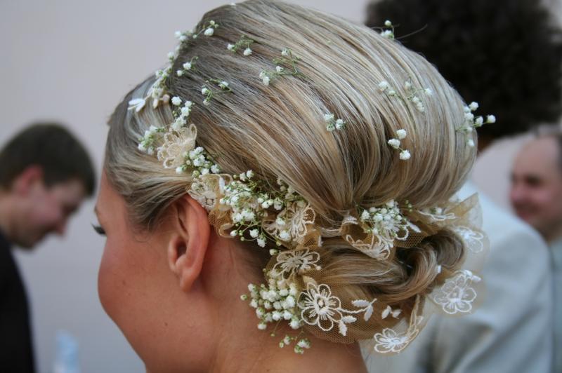 908de940aa6e6 للعروس  السعودية واظبي على استعمال القناع المناسب لنوع شعرك على الأقل لمدة  شهر قبل موعد  الزفاف،إليك نصائح  سيدتي في التالي  عروس سيدتي ...